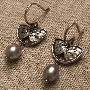 Silpada Sterling Silver and Gray Pearl Earrings